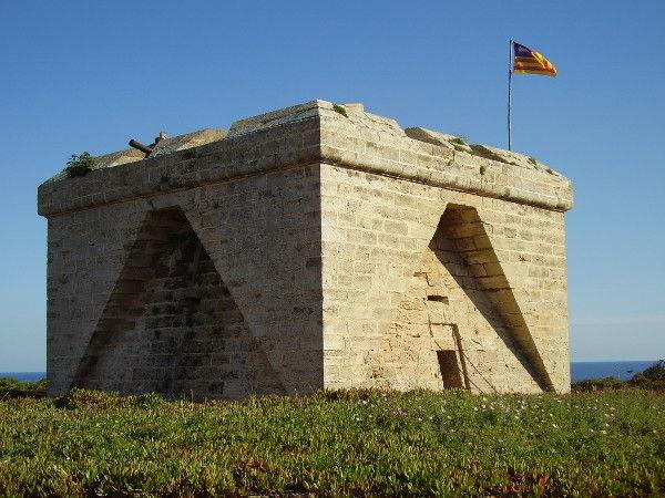 Punta de n'Amer, Castillo